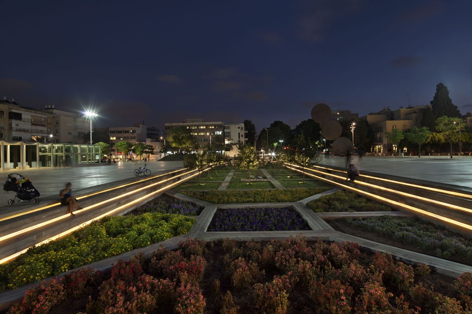 Rtld Lighting Design The Orchestra Plaza